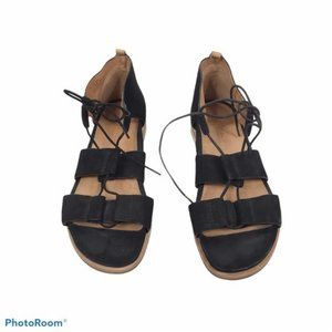 Gentle Souls Fine lace up sandals Kenneth Cole